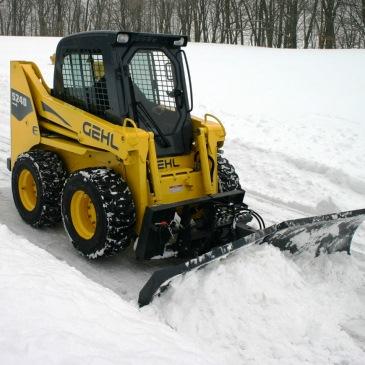 Мини-погрузчик для уборки снега